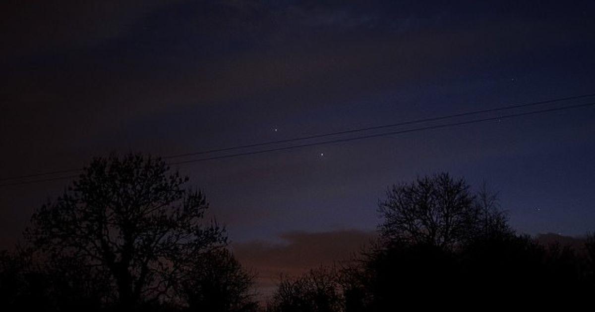 Пользователь Twitter поделился фотографией сближение двух планет.