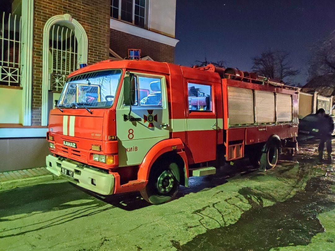 У Києві горів приватний будинок, у пожежі загинула літня жінка