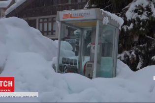 Через рясні дощі й снігопади міста Італії потерпають від зсувів ґрунту та паводків