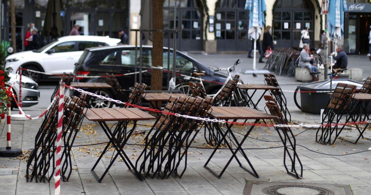Карантин выходного дня: какие ограничения действуют в странах мира и к каким последствиям приводят
