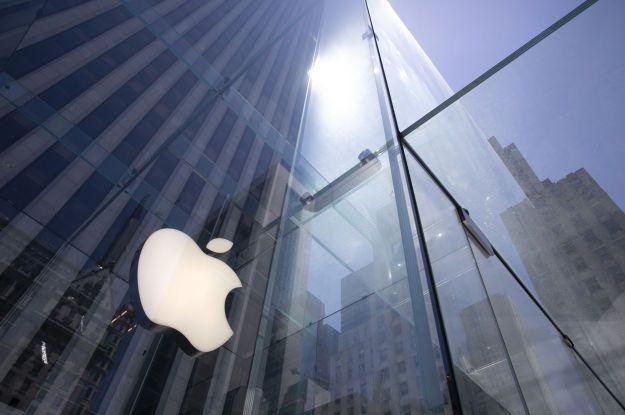 Весняна презентація Apple: компанія представила кольорові iMac, фіолетовий iPhone 12 і трекер AirTag