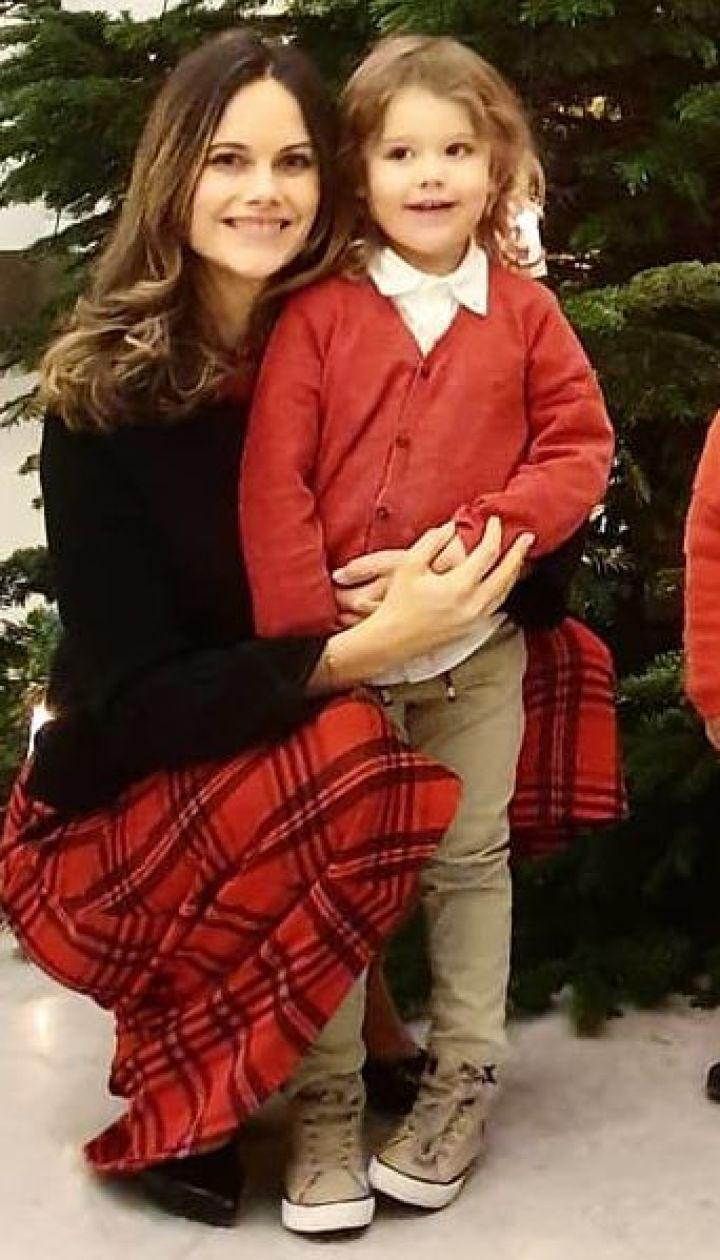 Принцеса Софія и принц Карл Філіп з синами