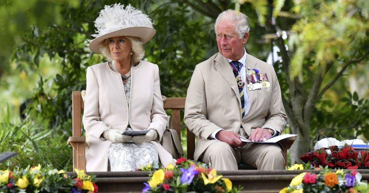 Герцогиня Камілла і принц Чарльз показали різдвяну листівку