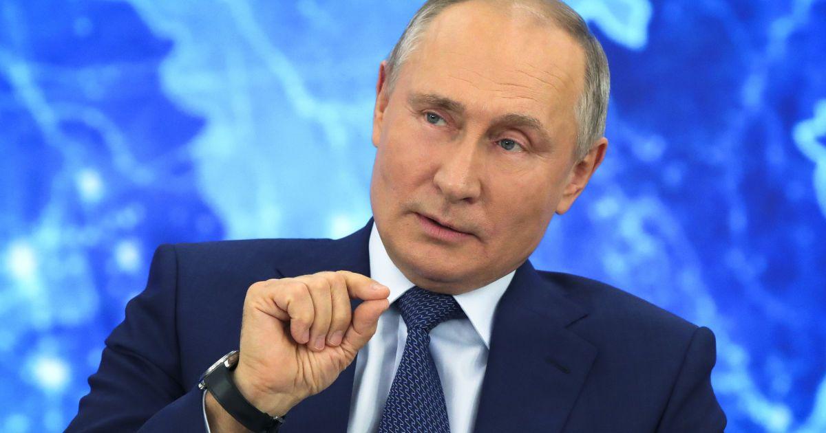 """""""Кому он нужен?"""" Путин назвал обвинения спецслужб в отравлении Навального """"трюком"""""""