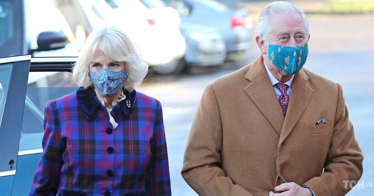 Принц Чарльз і герцогиня Корнуольська опублікували нове святкове фото