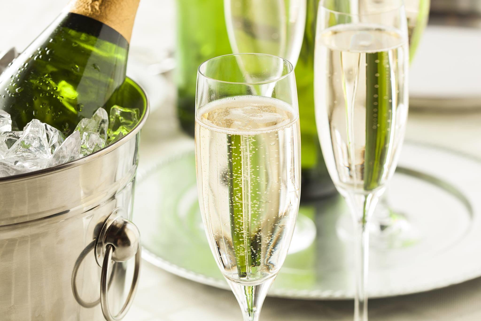 Як відкрити шампанське штопором, ножем або якщо зламалася пробка. - Цікaвинки - TCH.ua