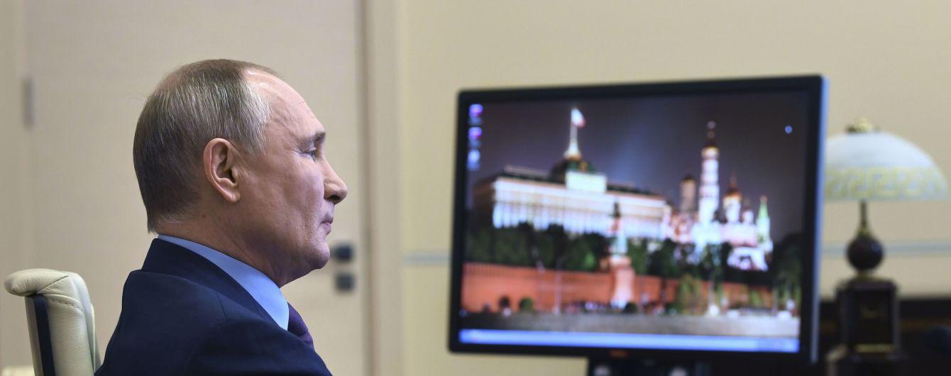 """В Кремле будут """"разбираться"""" с приглашением Маска поговорить в Clubhouse, потому что """"Путин соцсети не ведет"""""""