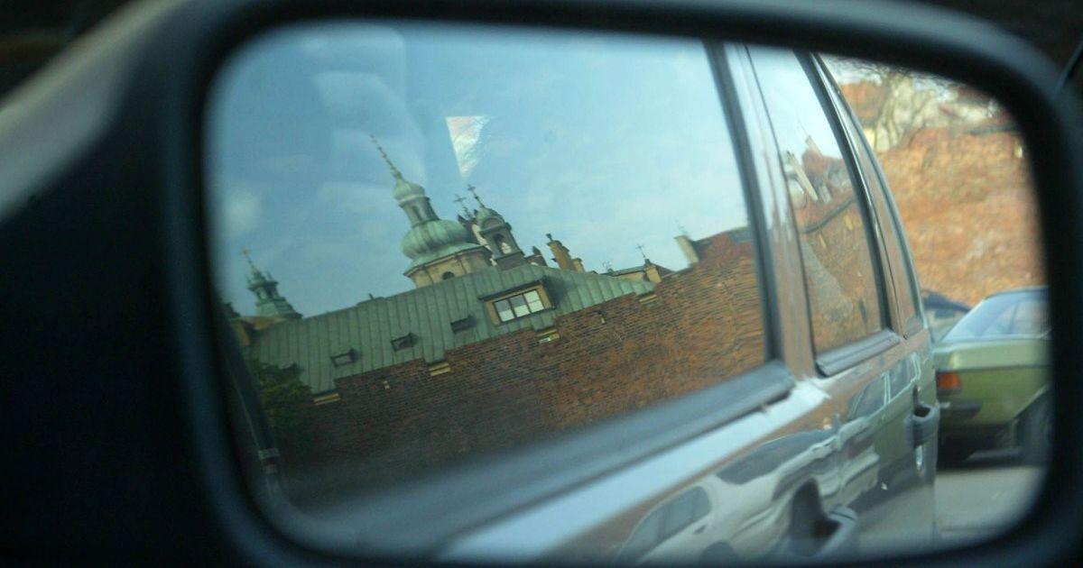 На кордоні України з Польщею серйозний затор: стоять 260 автомобілів