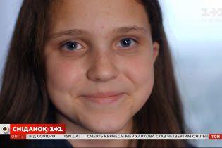 Історія дитячої небайдужості: як юна Аліса з Харківської області допомагає людям своєю творчістю
