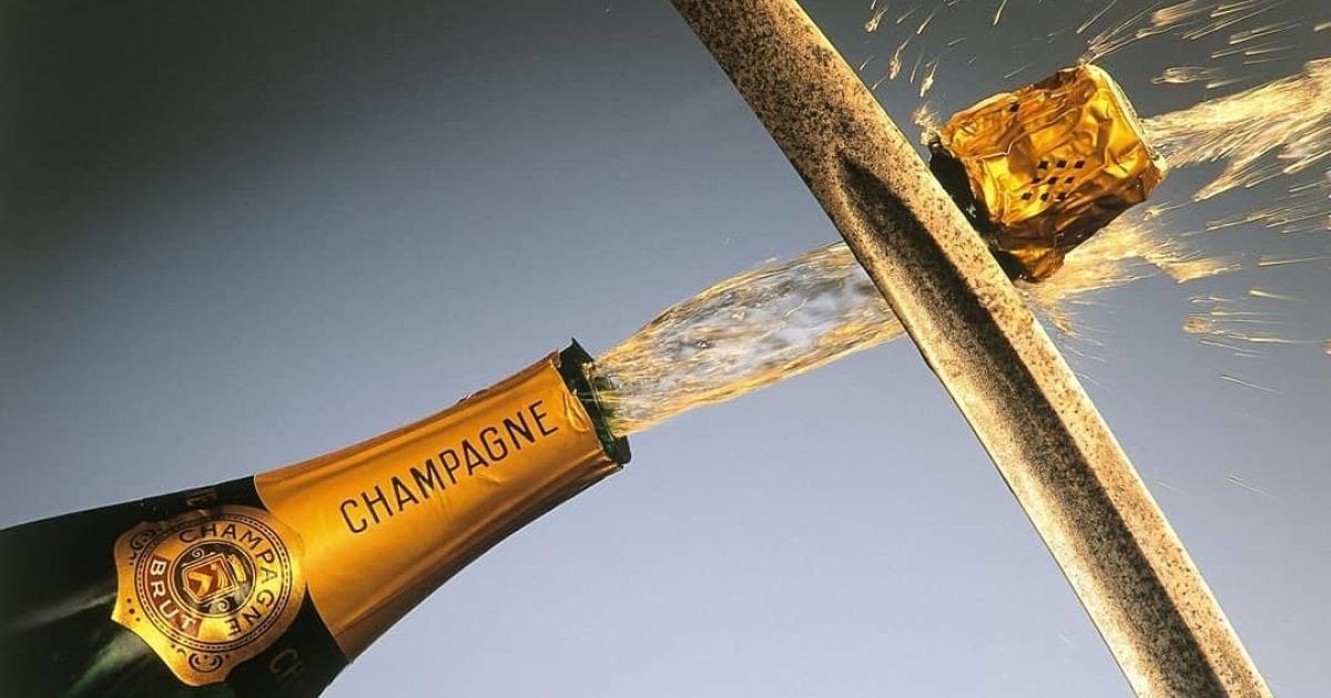 Як відкоркувати шампанське: принцип дії чарівних бульбашок