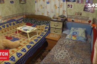 Подарок к Николаю: семье с Авдеевской промзоны гуманитарная миссия купила новый дом