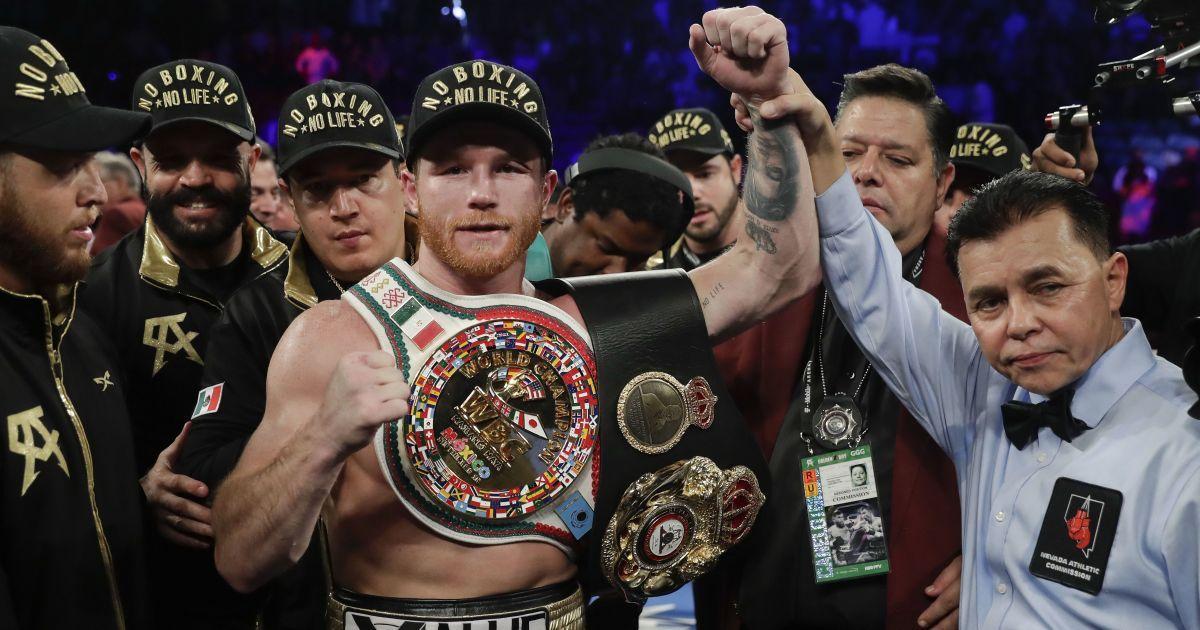 Месть за брата не состоялась: сильнейший боксер мира одержал очередную уверенную победу (видео)