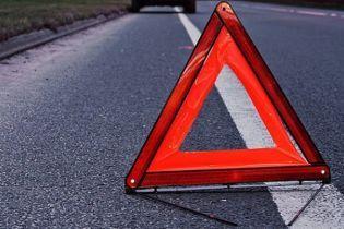 Після зіткнення потерпілих розкидало на дорозі: вінницькі лікарі рятують братів, які постраждали у моторошній ДТП