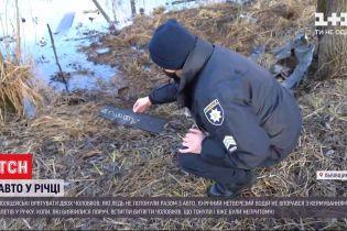 У Львівській області нетверезий водій не впорався з керуванням- і авто опинилося в річці