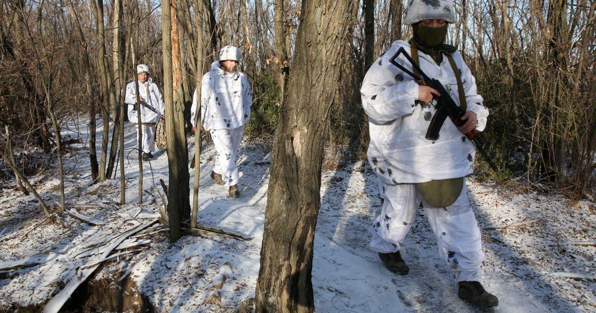 Боевики четыре раза обстреляли позиции ООС — украинские бойцы ответили