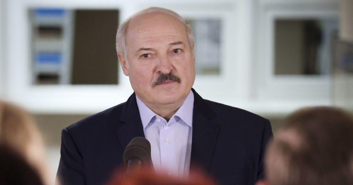 """Суд відправив білоруса, який """"образив"""" Лукашенка до колонії"""
