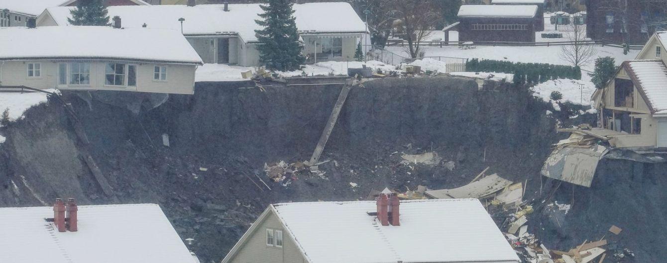 Земля пішла з-під ніг: у Норвегії поряд зі столицею стався зсув ґрунту, 11 осіб зникли безвісти