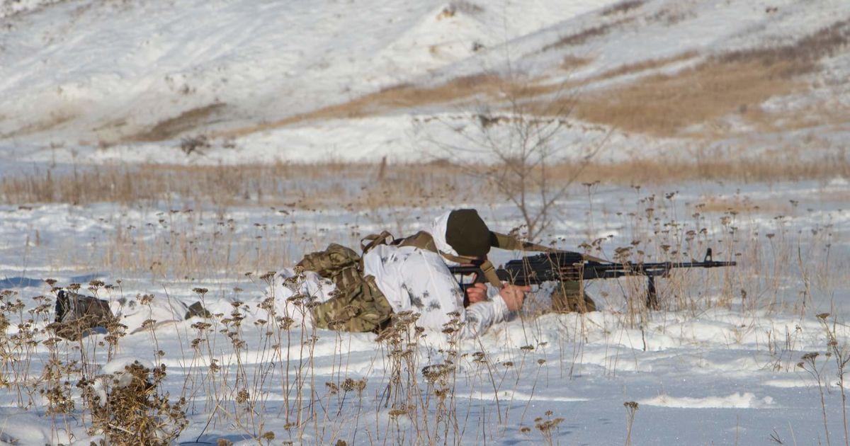 """На Донбассе от начала суток наблюдается """"тишина"""", саперы разминировали 4 га"""