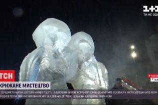 Во Львове творцы тешут из льда новогодне-рождественские скульптуры при плюсовой температуре