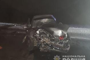 Под Фастовом в результате столкновения двух автомобилей пострадали пять человек: их госпитализировали