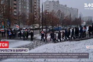В Минске люди не меняют тактики и выходят на митинги не в центре, а в собственных дворах