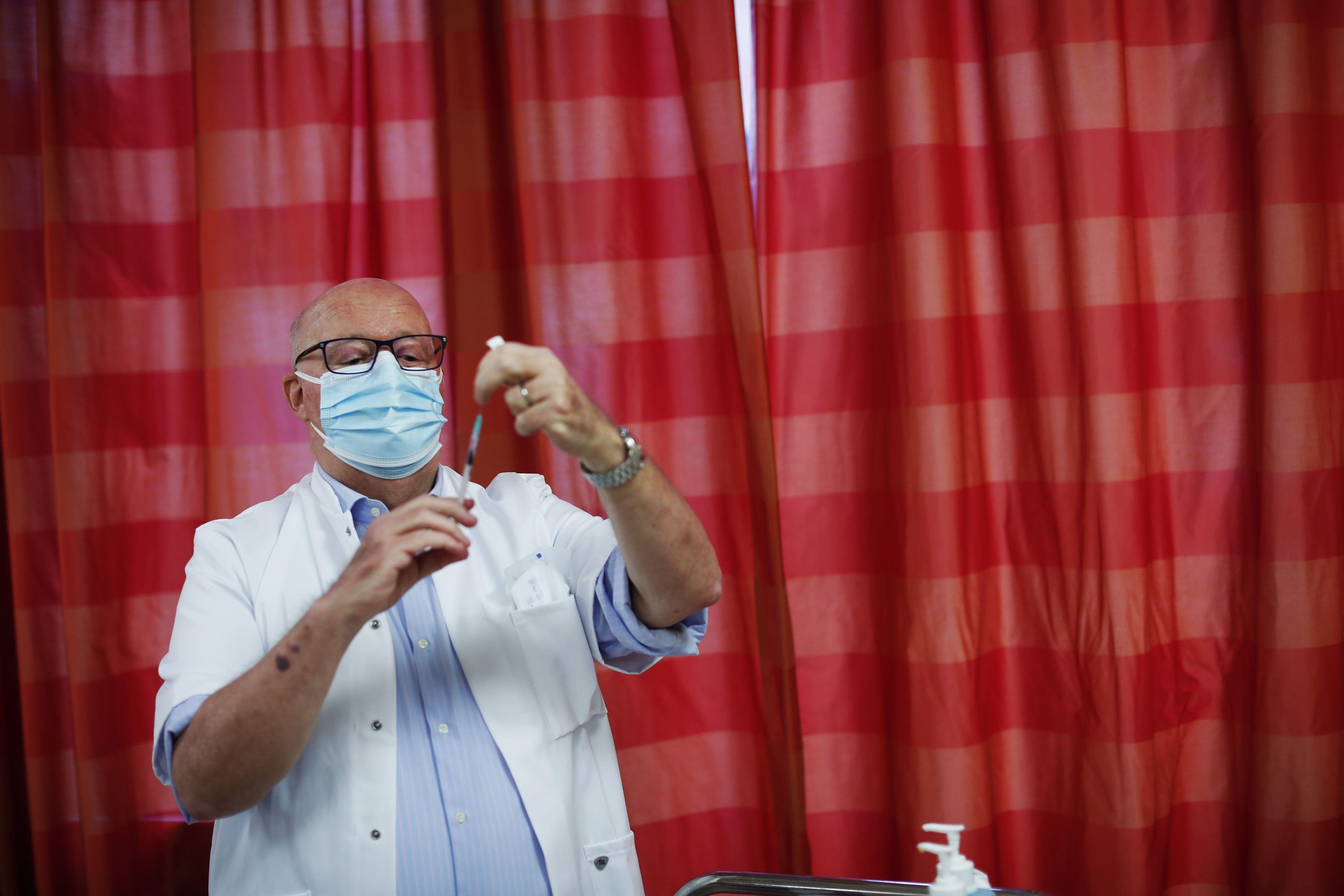 Вакцина, коронавірус, щеплення