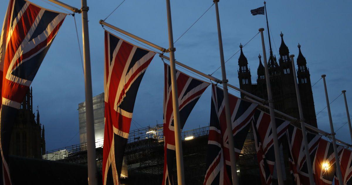 У Великій Британії вирішили зробити карантин в готелях обов'язковим для гостей з 30 країн