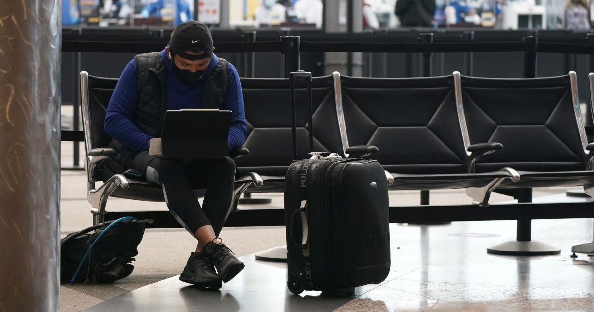 Понад 11 мільйонів українців попри карантин з'їздили за кордон у 2020 році: куди подорожували