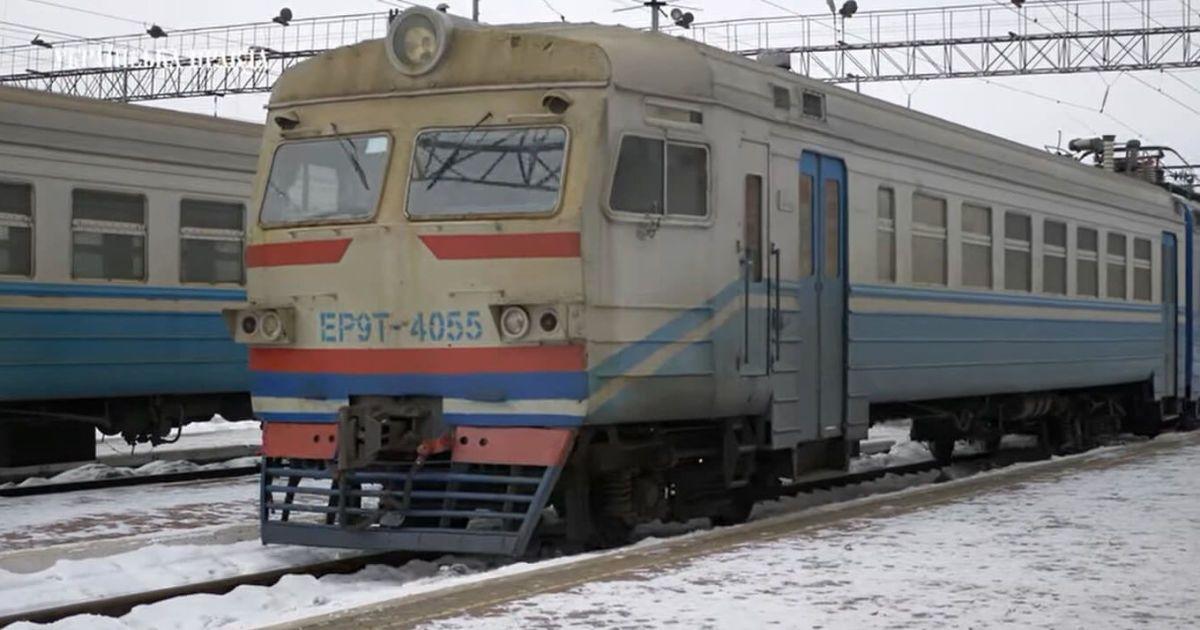 """В электричке """"Нежин-Киев"""" нашли мертвого мужчину"""