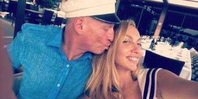 Оля Полякова показала, как отметила день рождения мужа в кубинском стиле