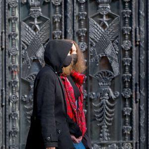 """В Минздраве увидели """"оптимизм"""" в ситуации с коронавирусом в Украине: пик третьей волны прошли"""