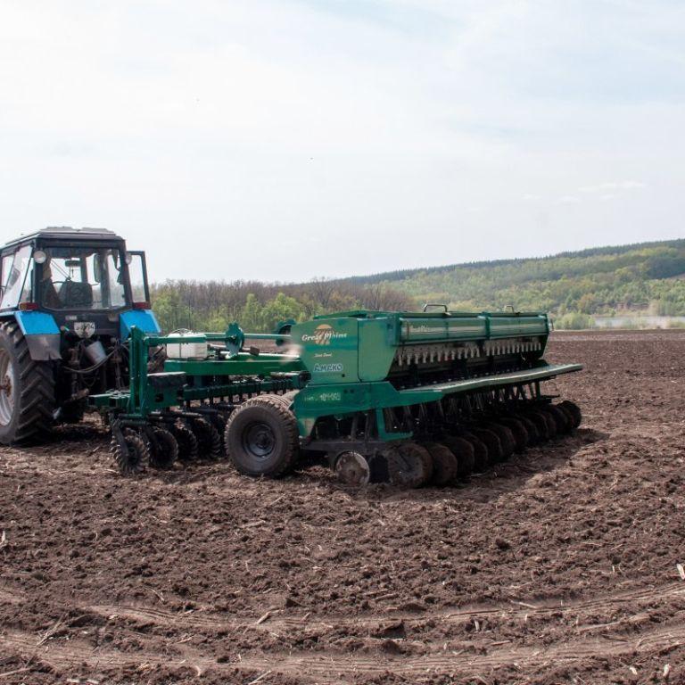 Шмыгаль объяснил, какие преимущества будут иметь аграрии после открытия рынка земли