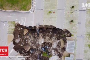 В Неаполе закрыли стационар для больных COVID-19 через 50-метровую яму на парковке больницы