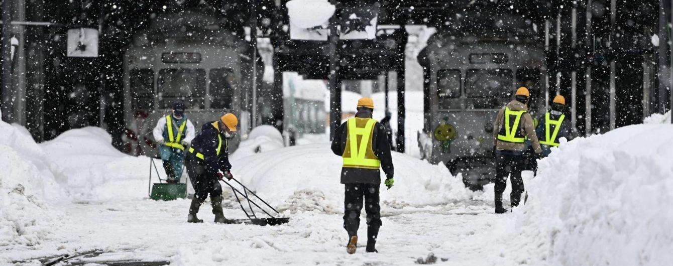 Жертви зимової негоди: у Японії через снігопади загинуло вісім людей