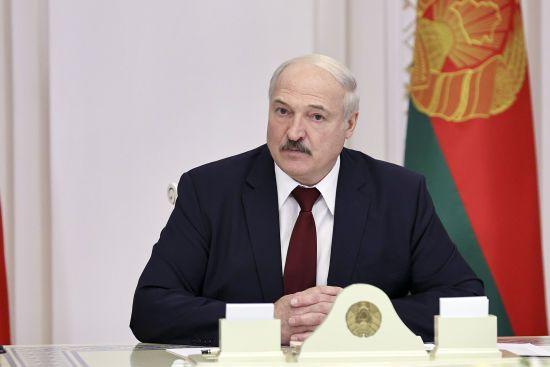 Лукашенко заявил, что в Беларуси друзей в мире нет