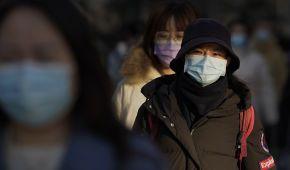 У Китаї пенсіонера прив'язали до дерева за порушення карантину