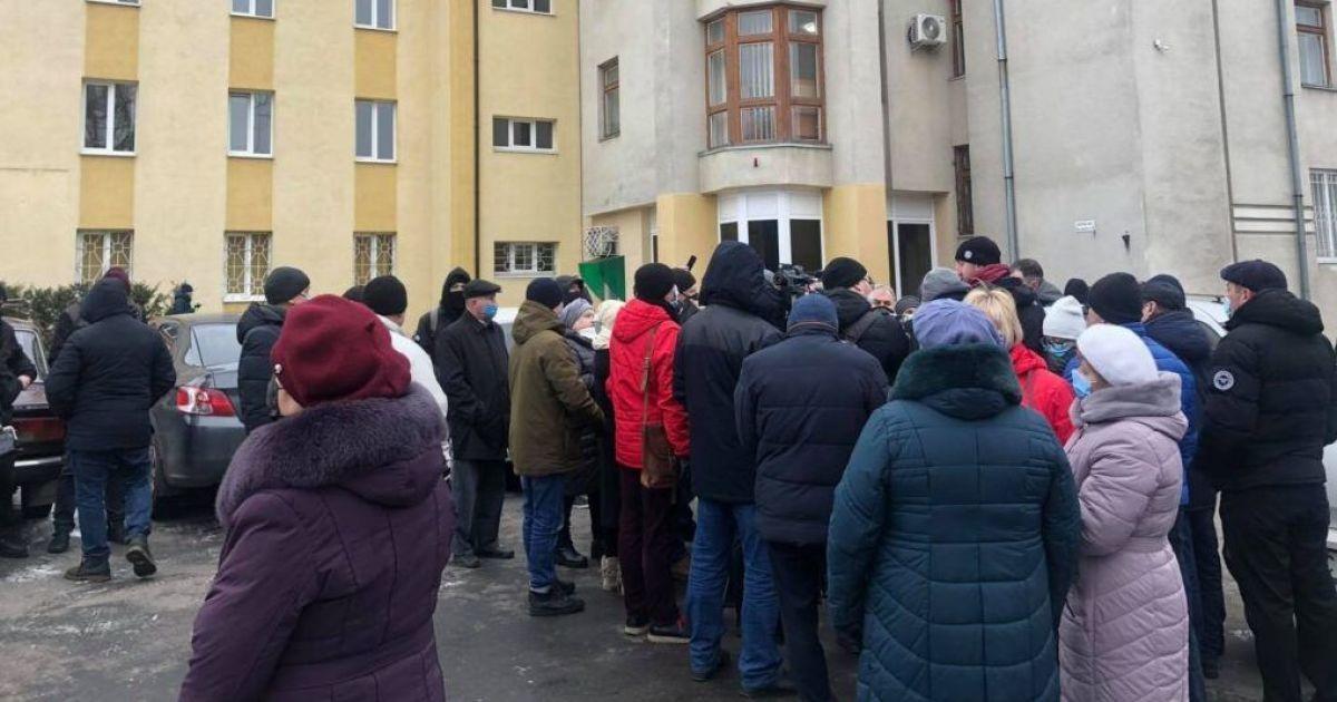Протести проти підвищення тарифів на комуналку в Україні: у Жмеринці та Хусті мітингувальники перекрили трасу