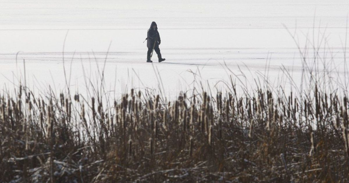 У ДСНС розповіли про поведінку на замерзлих водоймах та як рятуватися, коли провалилися під лід