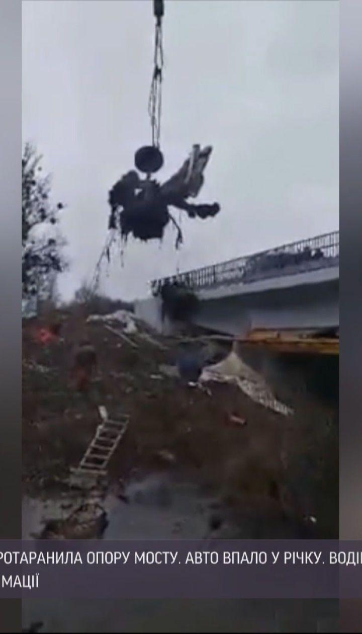 Во время ДТП в Винницкой области авто разорвало пополам