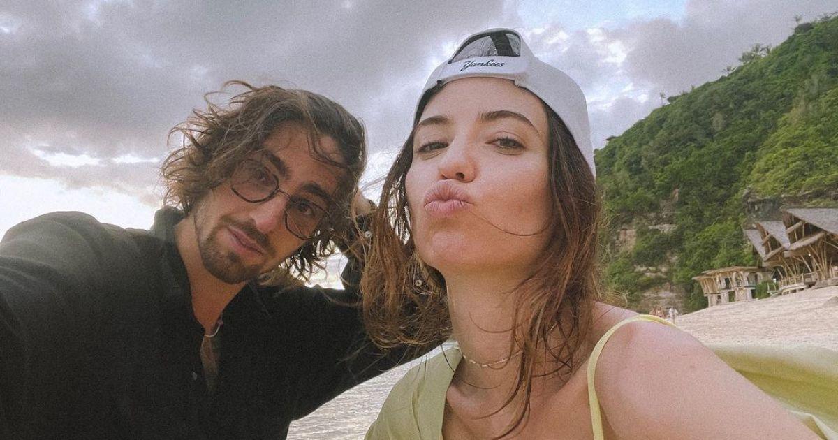 Мокрые DOROFEEVA и DANTES очаровали романтическим видео на фоне огромного водопада