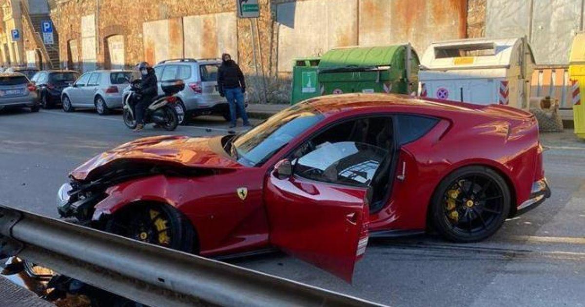 Сотрудник автомойки разбил Ferrari известного футболиста