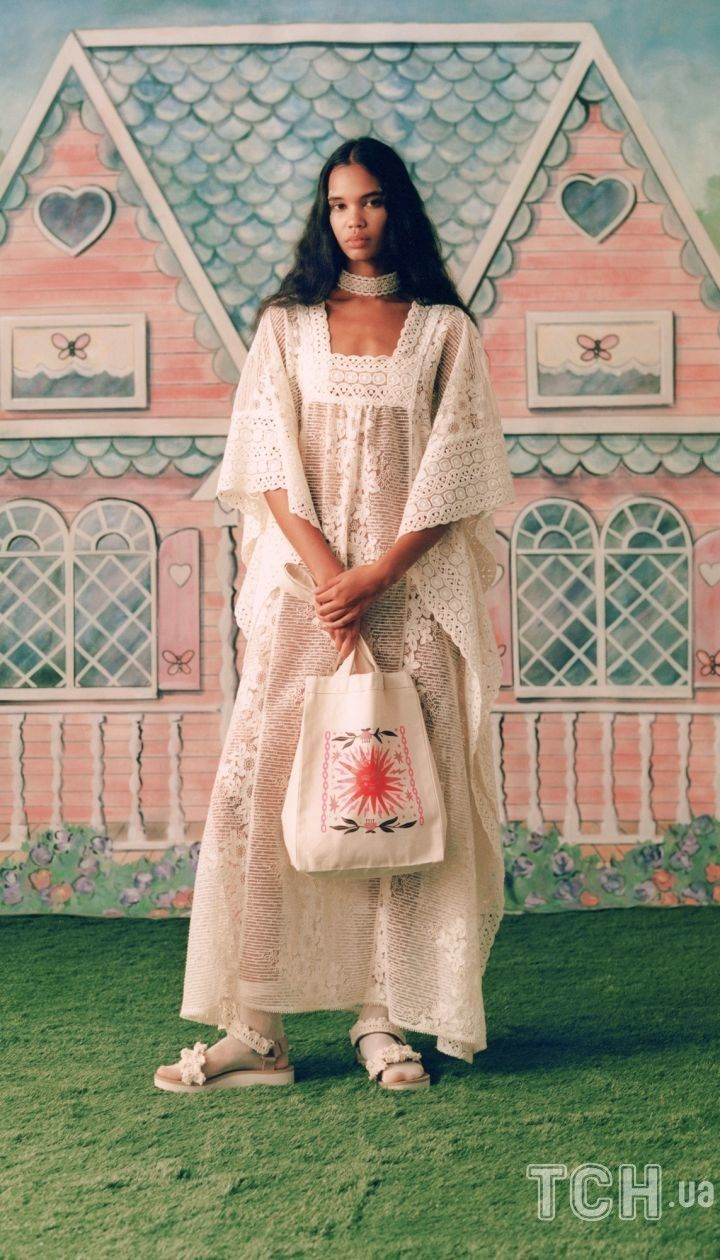 Коллекция Anna Sui прет-а-порте сезона весна-лето 2021 @ East News