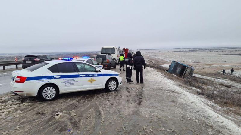Під російським Ростовом-на-Дону перекинувся пасажирський автобус