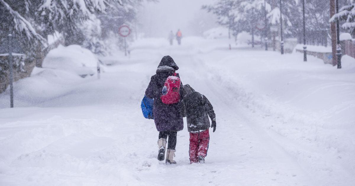 Україну знову замете снігом: прогноз погоди на 25-27 січня