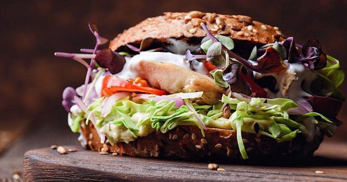 Страва з іменем: ясновельможний граф Сендвічський і його знаменитий бутерброд на сніданок