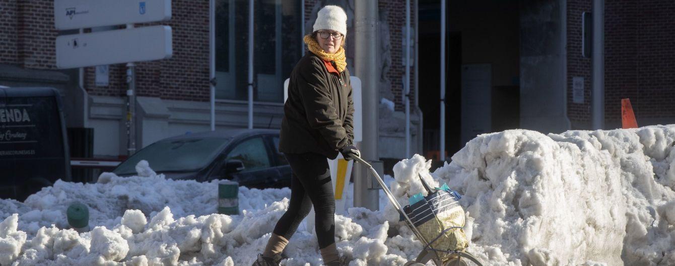 Швеция и Финляндия страдают от рекордных снегопадов: высота сугробов достигает двух метров