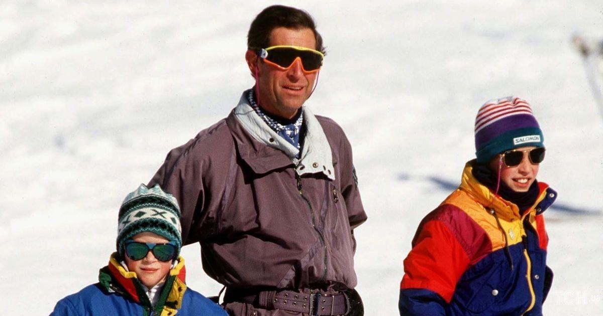 Семейный отдых: вспоминаем, как принц Чарльз с сыновьями Уильямом и Гарри на лыжах катались