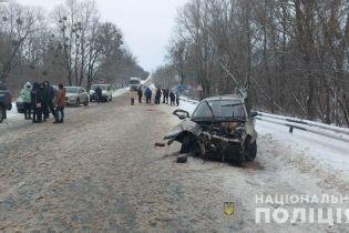 Моторошна ДТП у Харківській області: загинули дві людини, вагітна жінка постраждала
