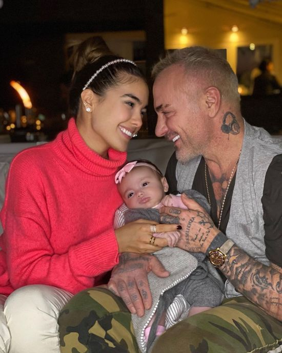 Джанлука Ваккі показав підрослу донечку на сімейному фото