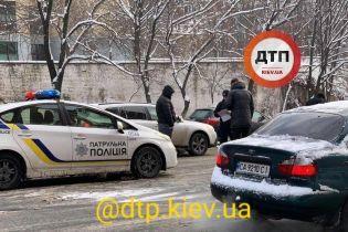 Сразу 9 авто столкнулись на одной из центральных улиц Киева
